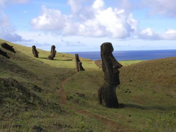 Опровергнута теория перемещения статуй острова Пасхи