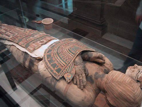 Проклятие мумии: аномальное явление или совпадение?