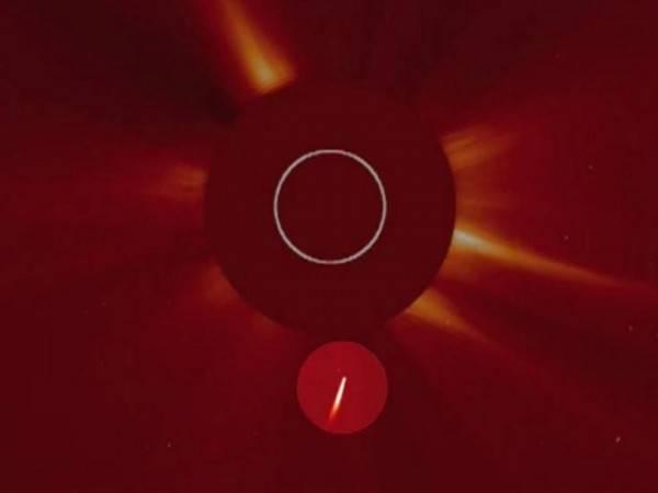 В Солнце врезалась гигантская комета размером с Землю