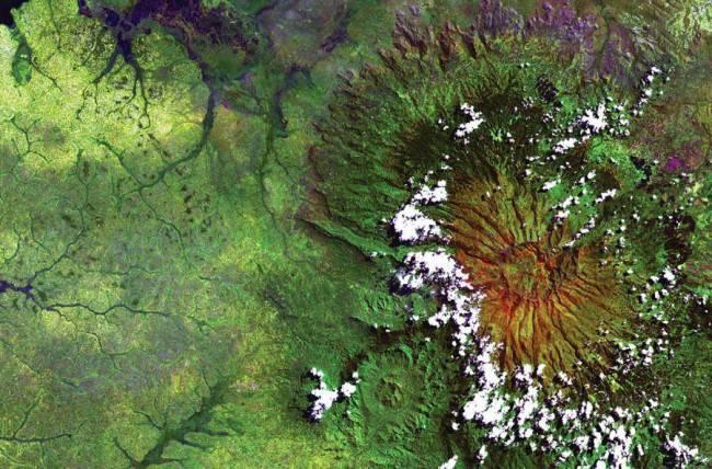 Nasa выпустило альбом фотографий земли