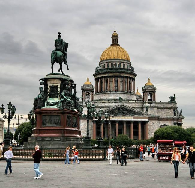 Исаакиевский-собор-главный-храм-Санкт-Петербурга