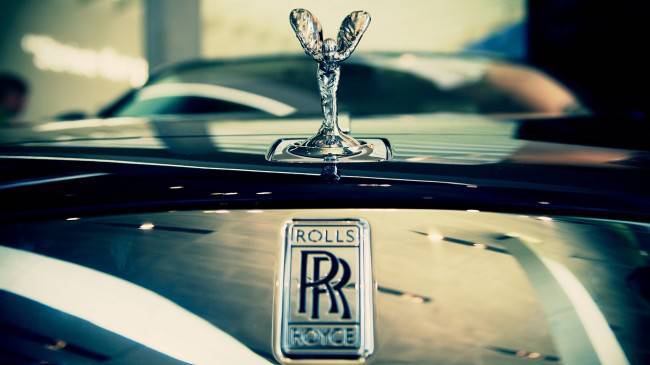 rolls-royce-hood-1920x1080
