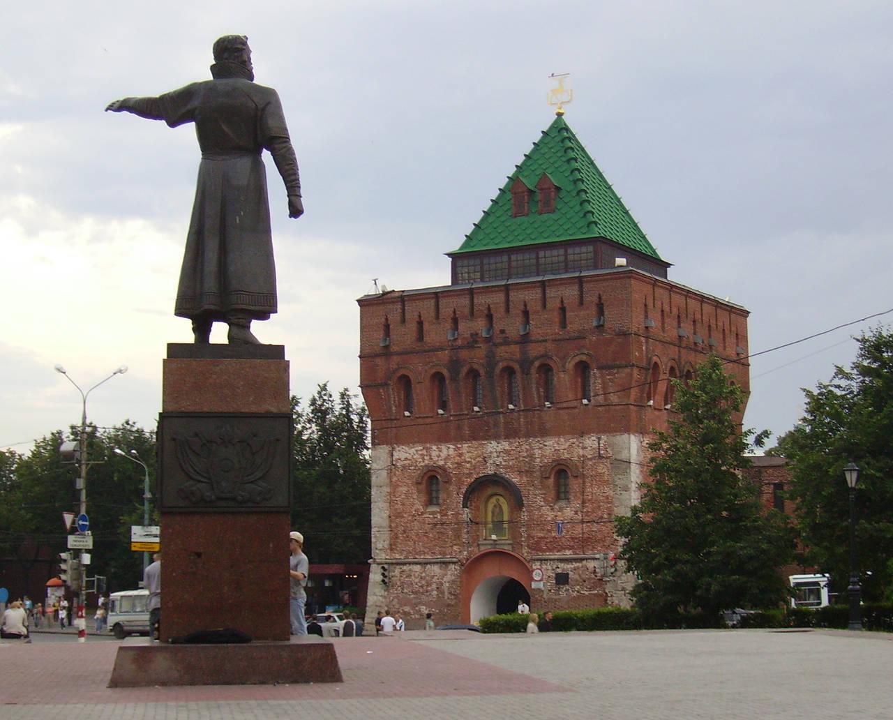 Интересные места в Нижнем Новгороде: http://tainy.net/48910-interesnye-mesta-v-nizhnem-novgorode.html