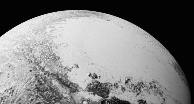 Ученые не знают, почему Плутон излучает рентген