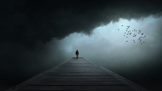 Почему человек остается один?