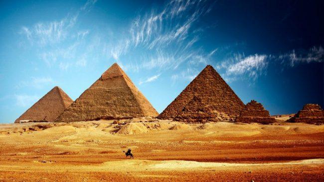 Загадочные пирамиды долины Гизы