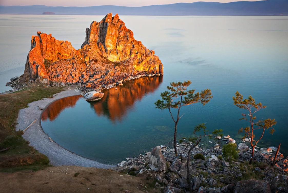 Байкал скала шаманка