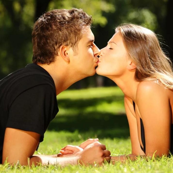 поцелуй в губы