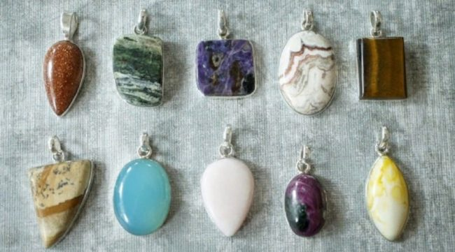 талисманы камни