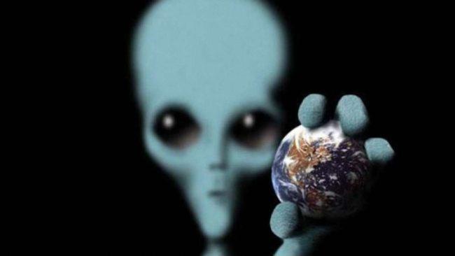 Инопланетянин и Земля