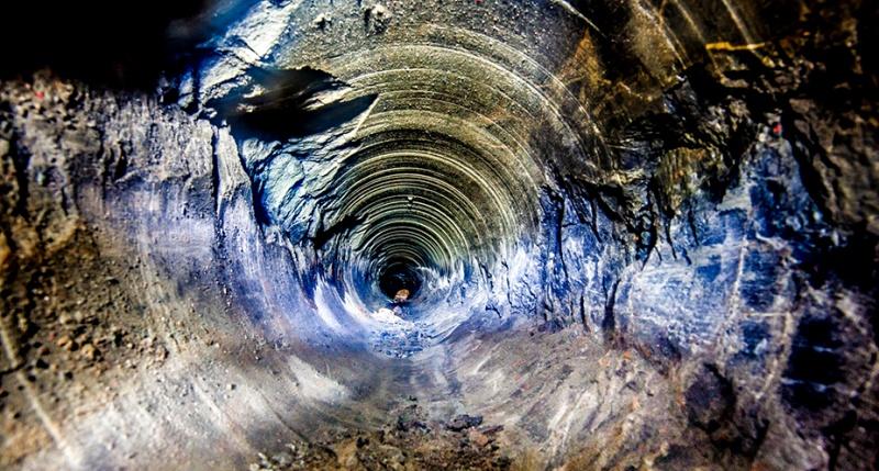 Сверхглубокая скважина на Кольском полуострове.