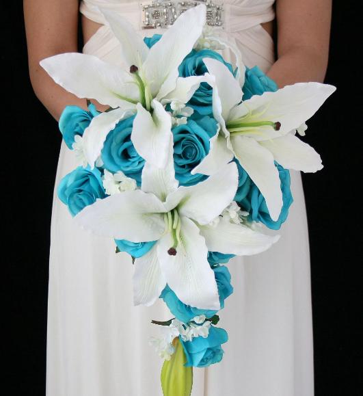 цветы на свадьбу белые лилии и бирюзовые розы
