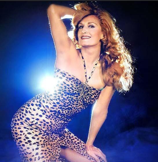 далида в леопардовом платье