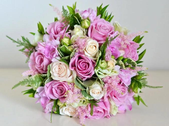 цветы на свадьбу дарить