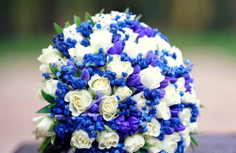 букет на свадьбу синий и белый цвет