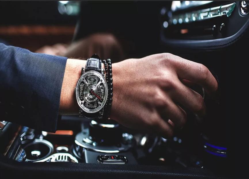 Часы в подарок на день рождения или свадьбу - плохая примета?