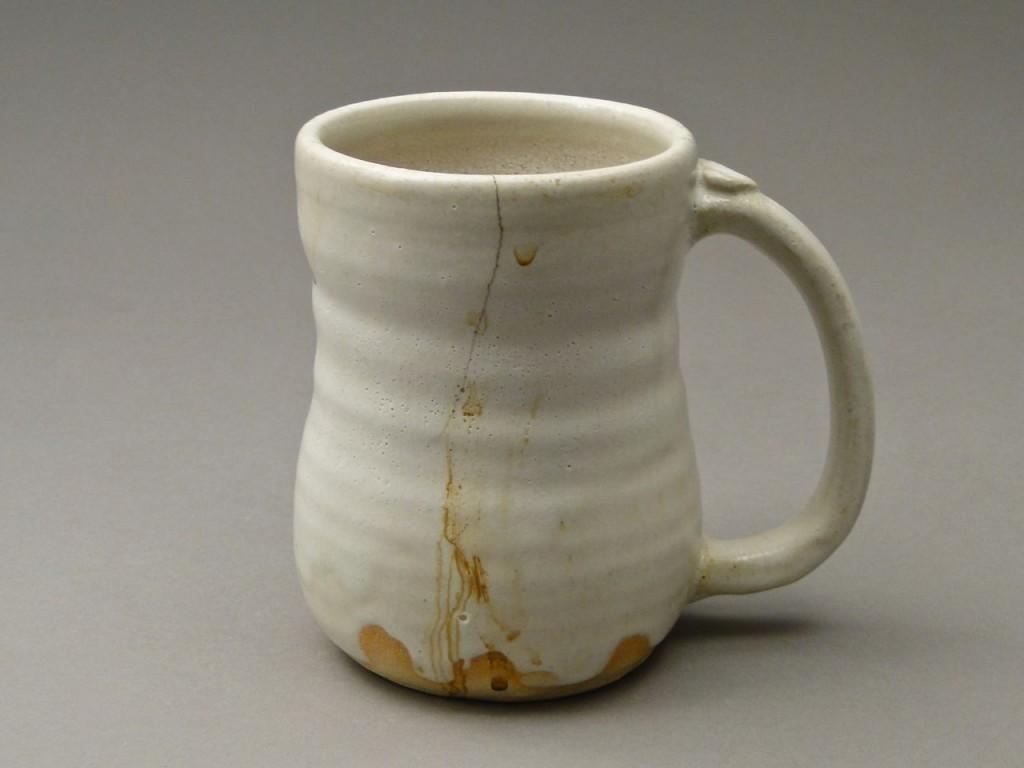 Треснувшая чашка