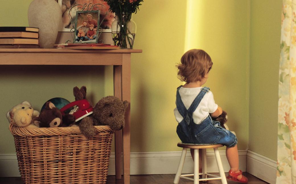 ребенок в углу наказание