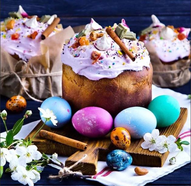 Пасха яйца и кулич