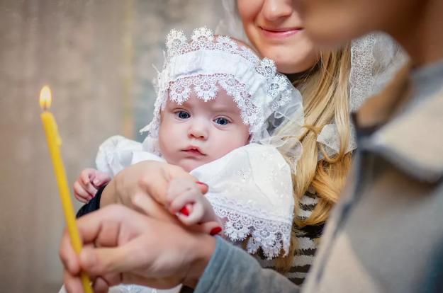 когда крестить ребенка