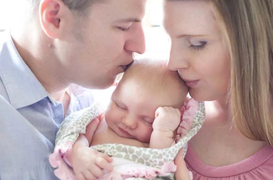 новорожденный младенец в семье