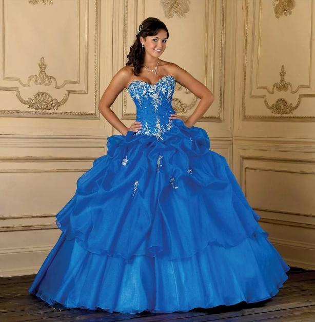 синее свадебное платье с вышивкой