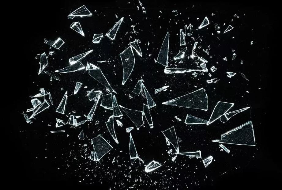 стекло осколки мелкие
