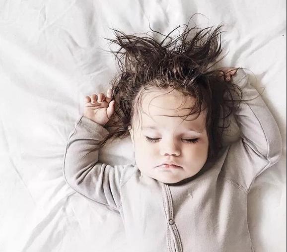 пышные волосы у ребенка когда стричь