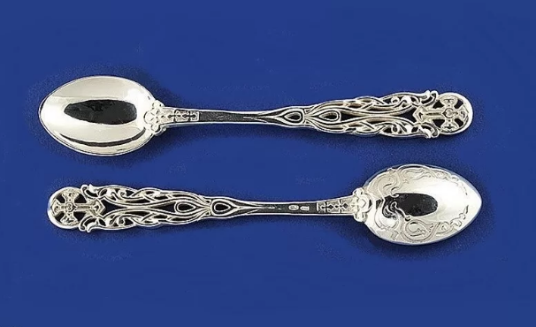 серебряные ложки на крещение ребенка подарок