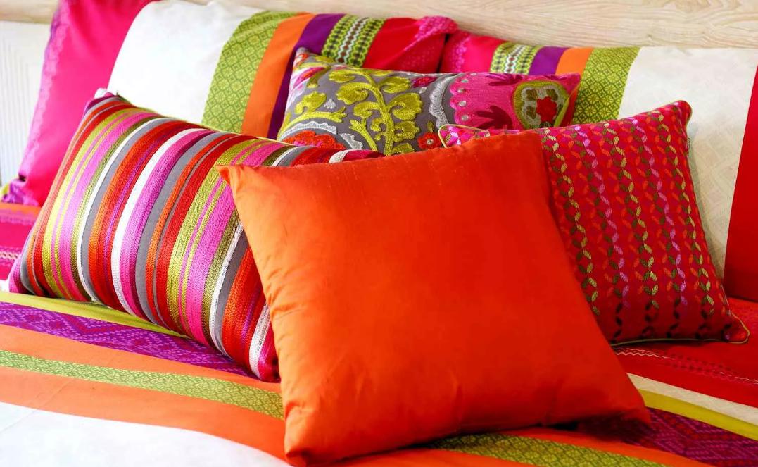 подушки цветные