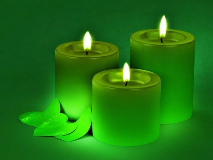 3 зеленых свечи