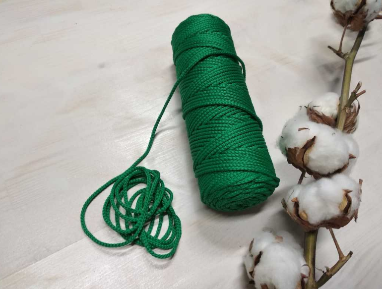 зеленые нитки