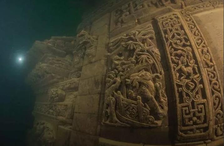 каменная стена подводный город Шичен Китай