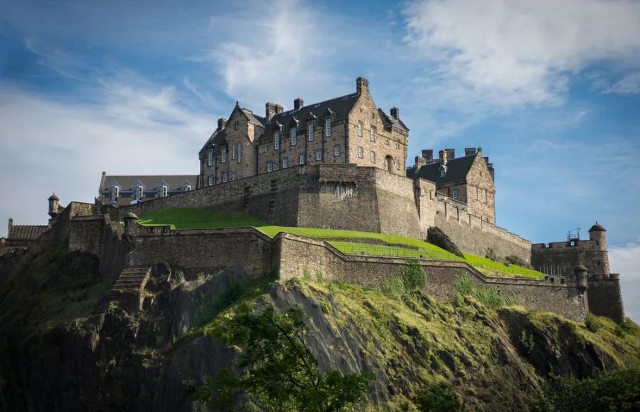 Эдинбургский замок в Шотландии: тайны, легенды и призраки - интересные факты