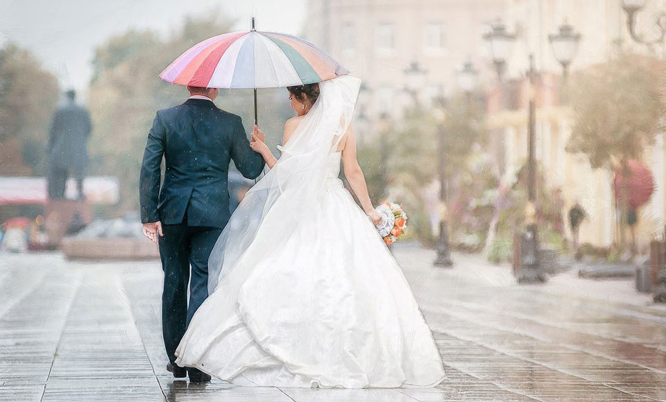 Если на свадьбу идет дождь: о чём говорит примета