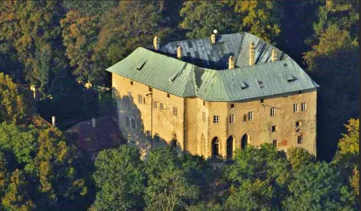 Мистический замок Гоуска Чехия