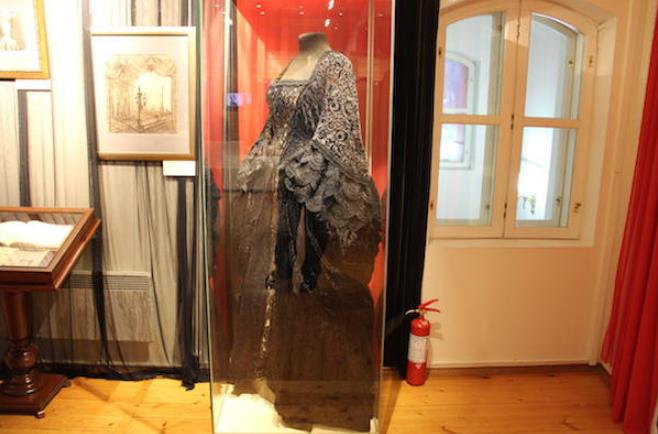 черное платье Елены Образцовой из Пиковая дама