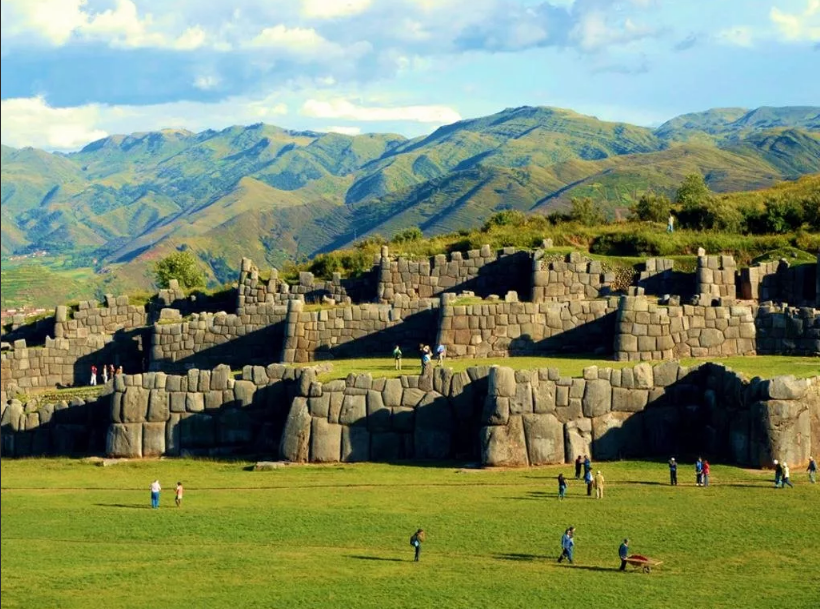 Стены Саксайуамана Куско Перу