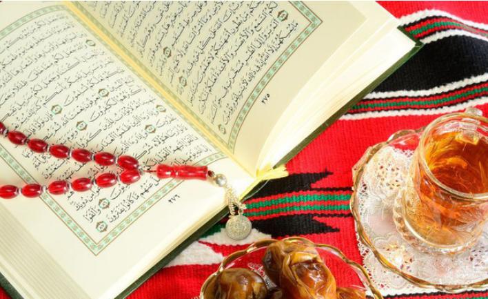 Коран и красные четки