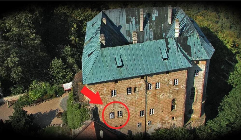 Замок Гоуска Чехия привидения аномальная зона