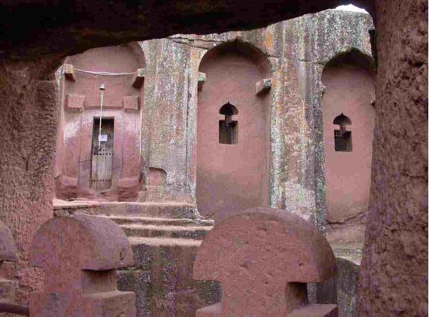 храмы монолиты в Эфиопии Лалибэла