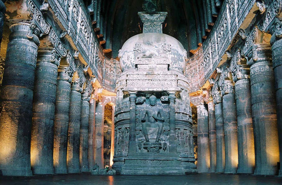 Аджанта статуя Будды