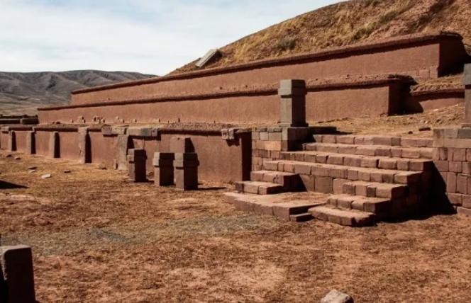 Древнейшая цивилизация Тиуанако, её тайны (Боливия): загадочные постройки города