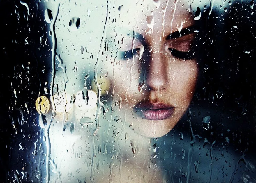 Фрэнсис МакКрори девушка через стекло и дождь