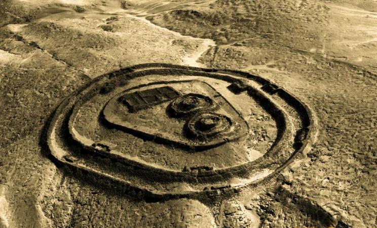 Тайна странных 13 башен Чанкильо (Перу): версии происхождения