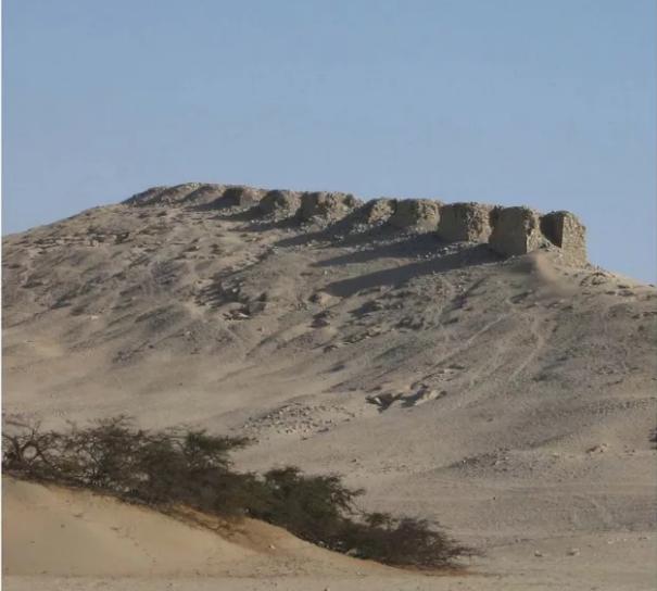 Тринадцать башен Чанкильо Перу строение
