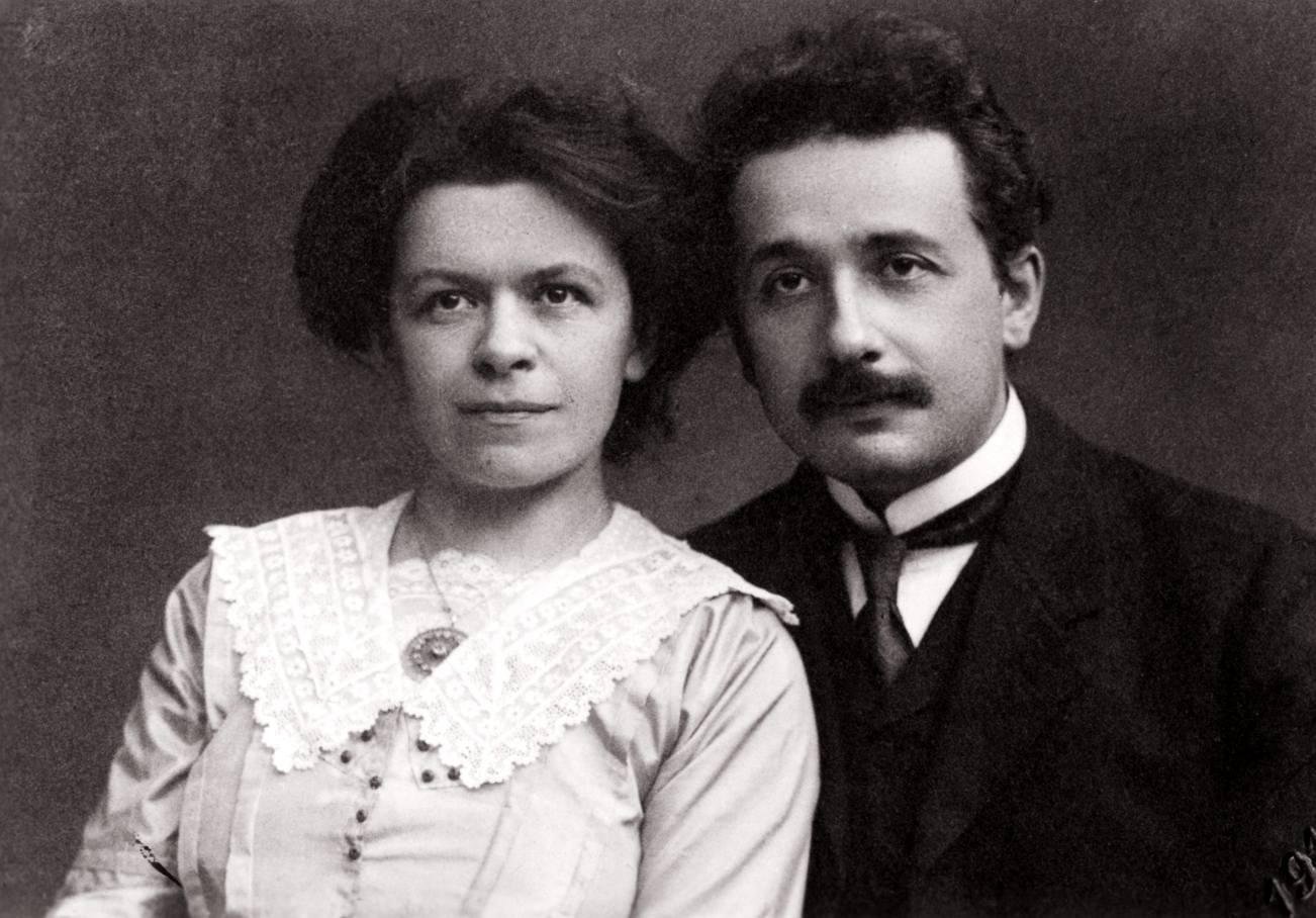 Эйнштейн с женой