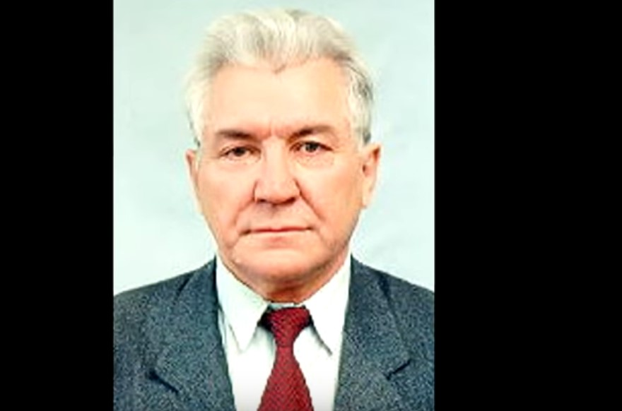 Профессор Валитов