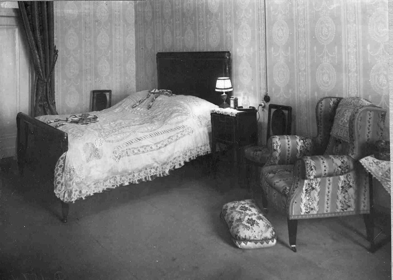 Спальная комната актрисы